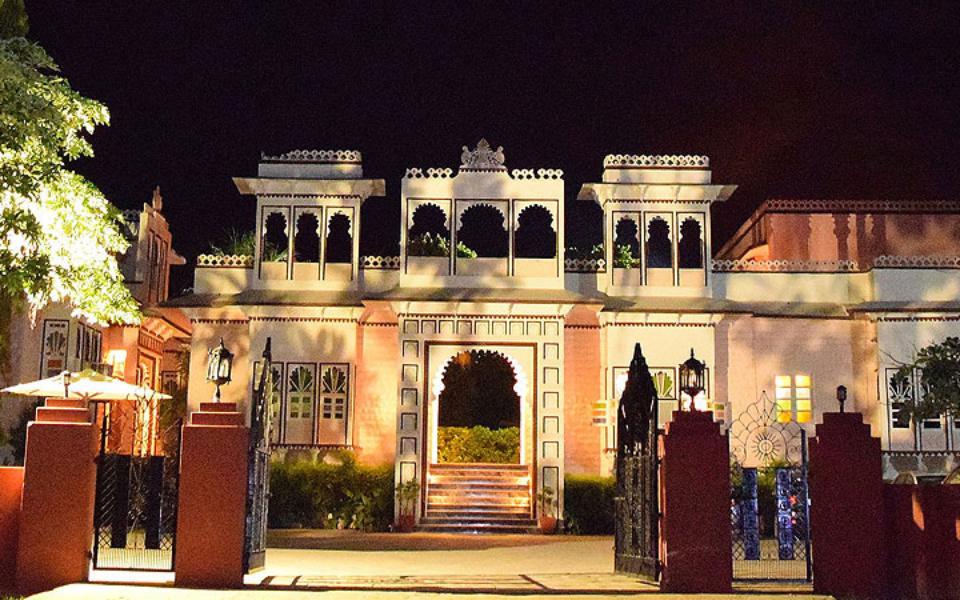 ranakpur-hill2